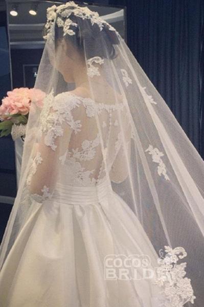 Elegant A Line V-Neck Appliques Long Sleeves Wedding Dress_3