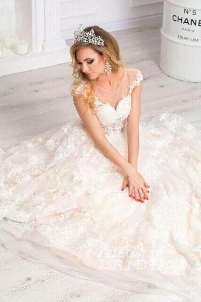 Gorgeous Sheer Neck Cap Sleeves Lace Appliques A Line Wedding Dress_3