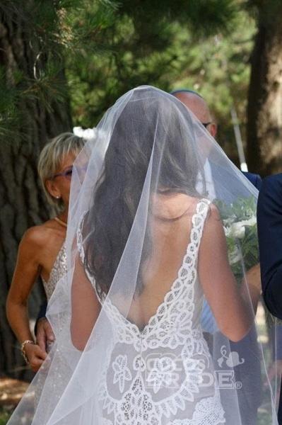 Simple Neck Sleeveless Mermaid Lace V Back Beach Wedding Dress_2