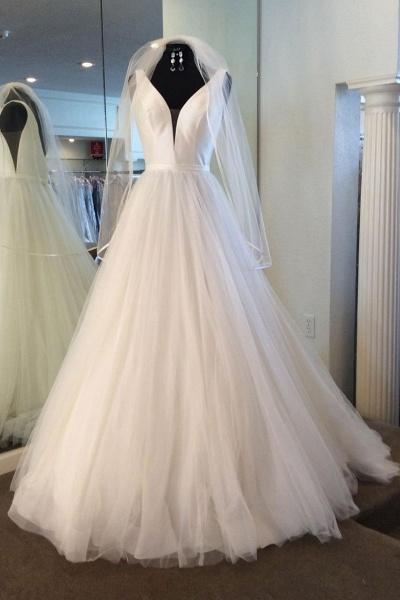 White Tulle Satin V Neck Long Wedding Dress Spring With Veil_1
