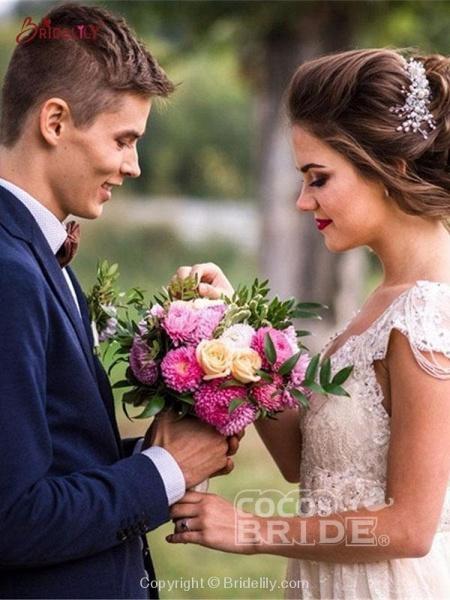 V Neck Backless Boho Wedding Dresses_4