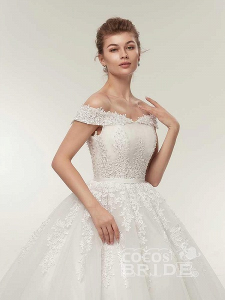 Off-the-Shoulder Lace-Up Ball Gown Wedding Dresses_5