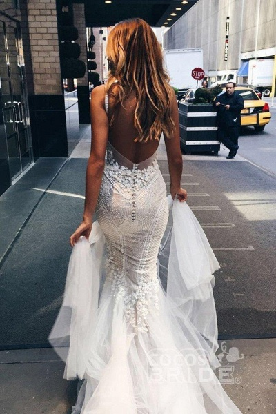 Luxurious Deep V-neck Tulle Mermaid Wedding Dress_3