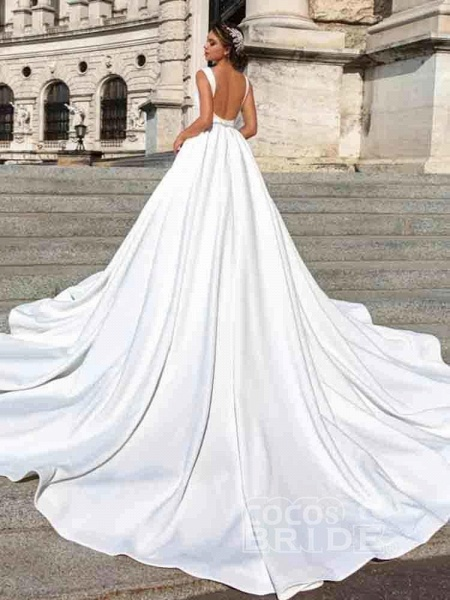 Gorgeous V-Neck Sweep Train Ruffles Wedding Dresses_3