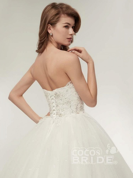 Elegant Sweetheart Beaded Lace-Up Ball Gown Wedding Dresses_3