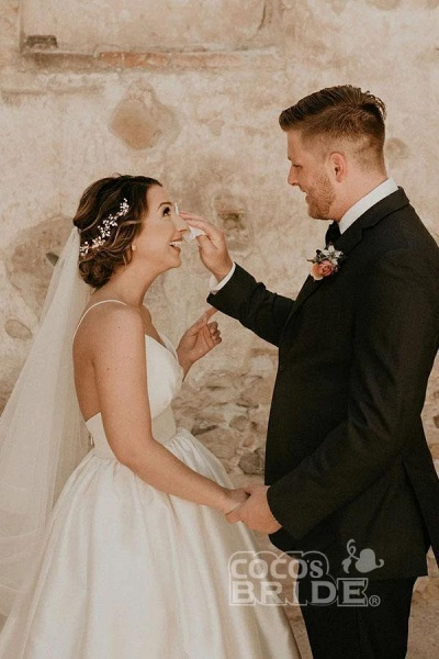 Simple Ivory Sleeveless Beach Floor Length Satin Spaghetti Straps Wedding Dress_3