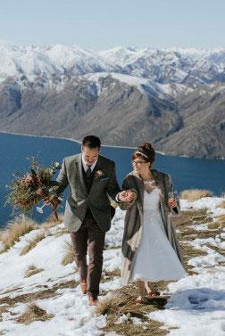 Illusion Appliques Sleeveless Tea Length Wedding Dress_3