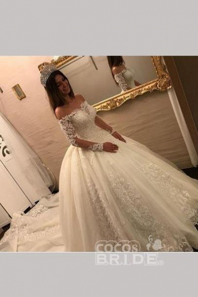 Luxury Off the Shoulder Long Sleeve Ball Gown Chapel Train Appliques Wedding Dress_2