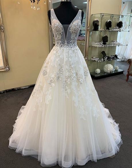 Unique White Tulle V Neck Long Beaded Lace Wedding Dress_2