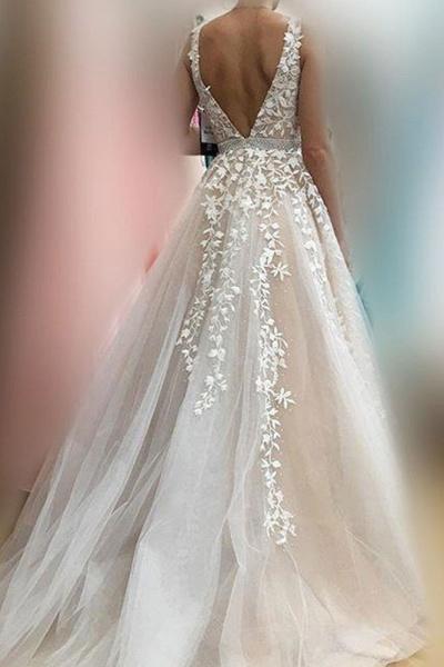 Elegant Appliques V-neck Tulle A-line Wedding Dress_3