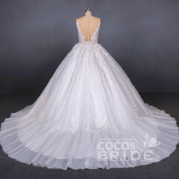 Ball Gown Sheer Neck Sleeveless White Lace Appliqued Wedding Dress_2