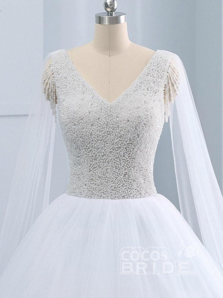Beautiful V-neck Pearls Princess Wedding Dresses_4