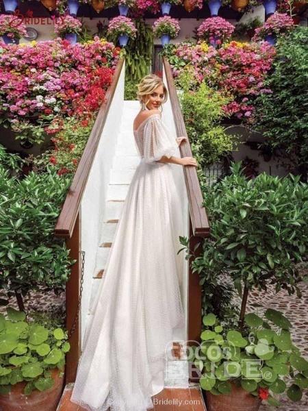 Romantic Off-the-Shoulder Lace A-Line Wedding Dresses_2