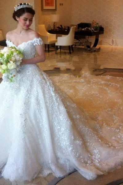 Gorgeous Off the Shoulder Puffy Princess Lace Wedding Dress_1