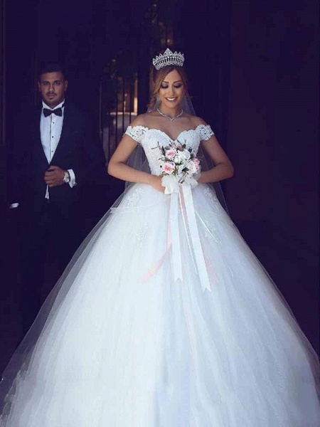 Amazing Off-the- Shoulder Lace Ball Gown Tulle Wedding Dresses_1