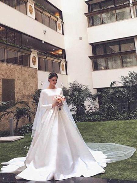 Simple Jewel Long Sleeve A-line Wedding Dresses_1