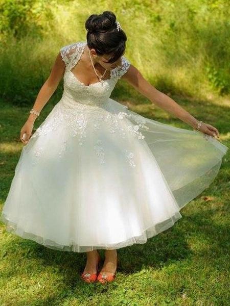 Chic Sweetheart Short Ball Gown Wedding Dresses_1