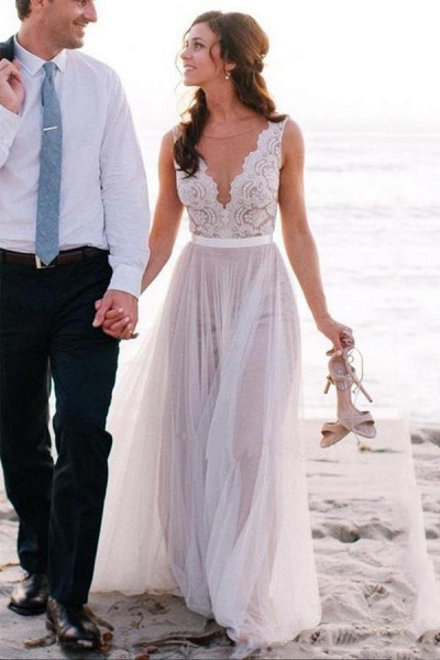 Elegant A Line Scoop Neck Sleeveless Lace Tulle Beach Wedding Dress_1