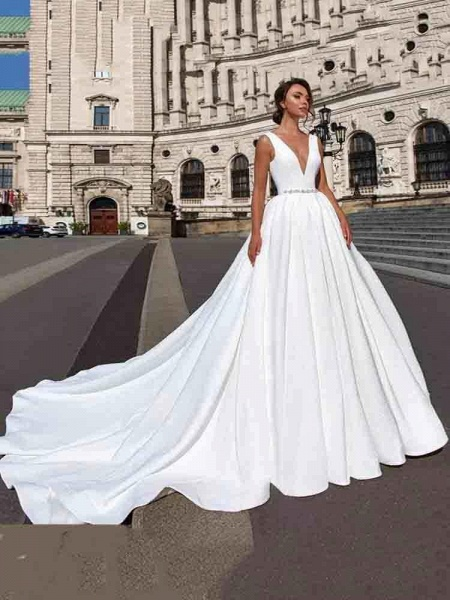 Gorgeous V-Neck Sweep Train Ruffles Wedding Dresses_1