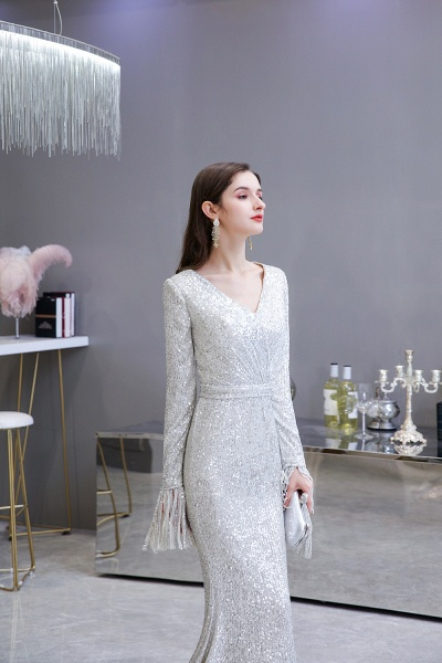 Gorgeous Sequins Long Sleeve V-Neck Mermaid Evening Gowns_11