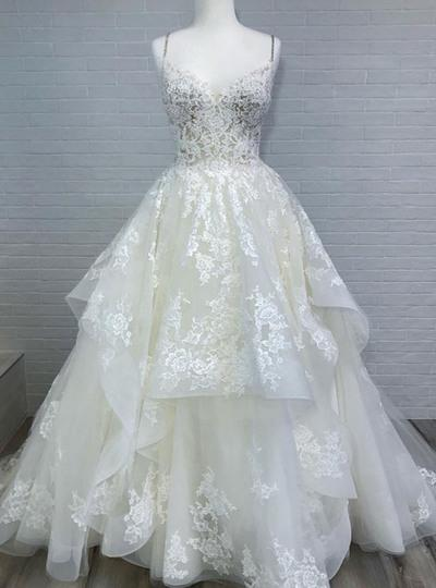 White Spaghetti Long Layered Lace White Beach Wedding Dresses_2