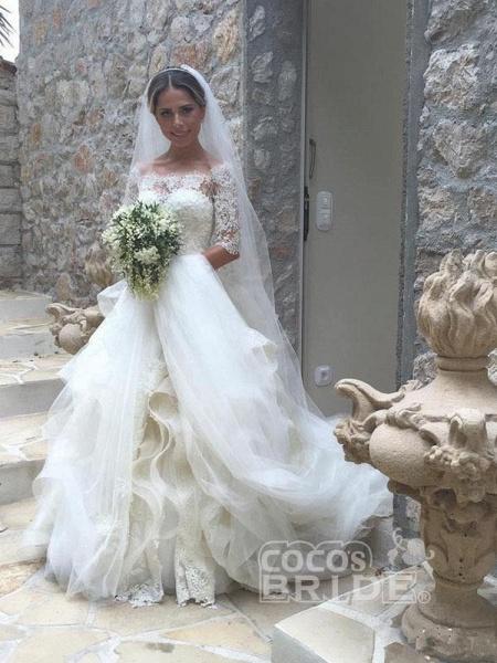 Gorgeous Design Wave Details Half Sleeve Lace Wedding Dresses_2