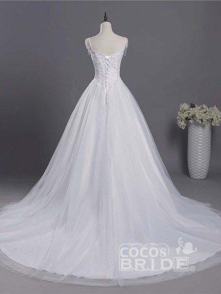 Gorgeous A-line Lace Appliques Wedding Dresses_3