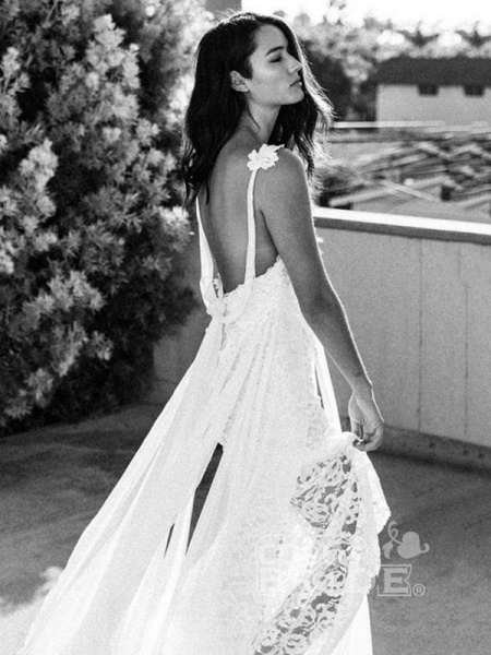 Spaghetti-Strap Backless Lace Bohemian Wedding Dresses_3
