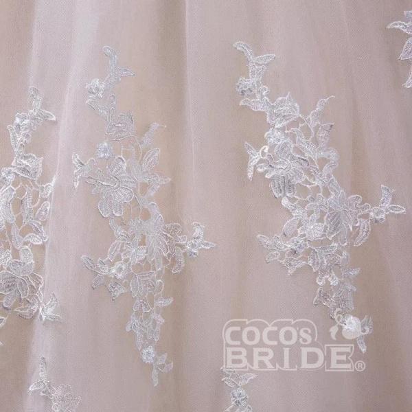 Gorgeous Sheer Neck Cap Sleeves Lace Appliques A Line Wedding Dress_6