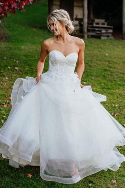 Charming Sweetheart Tulle Puffy Backless Beach Wedding Dress_1