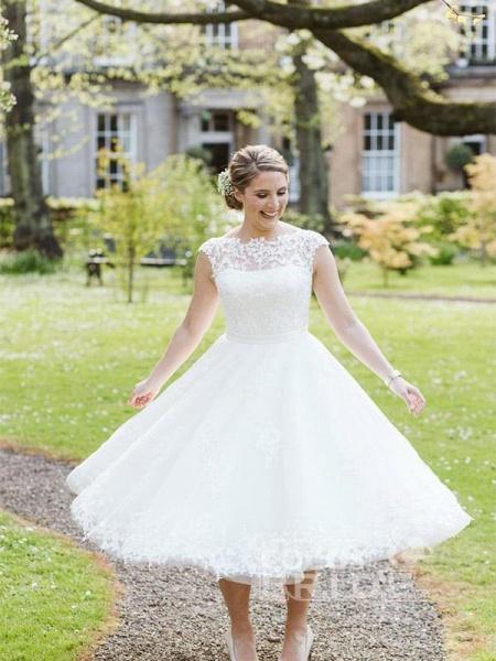 Elegant Lace Covered Button Short Wedding Dresses_3