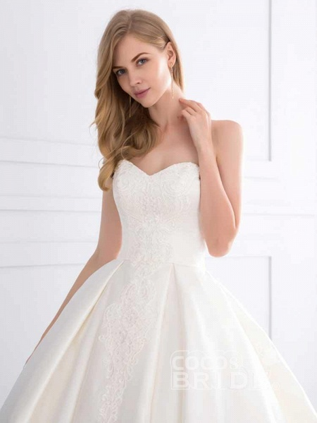 Sweetheart Ball Gown Ruffles Wedding Dresses_5