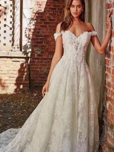 off-the-Shoulder Full Lace Wedding Dresses A-Line Lace Appliques with Court Train_1