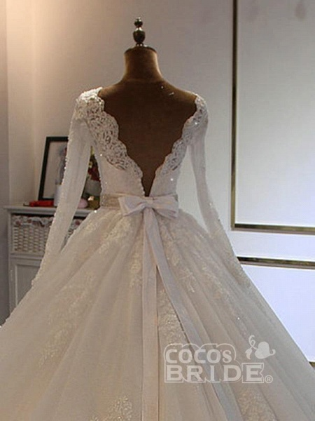 Exquisite Bowknot Ball Gown Wedding Dresses with Long Sleeves_2