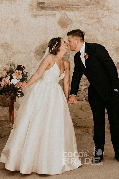 Simple Ivory Sleeveless Beach Floor Length Satin Spaghetti Straps Wedding Dress_4