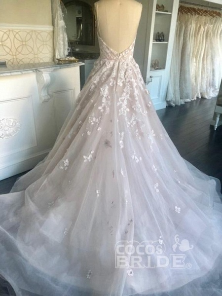Spaghetti Straps Sweetheart Backless Puffy Tulle Wedding Dress_3