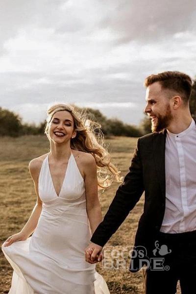 A Line Halter Ivory V Neck Beach Sexy Sleeveless Boho Wedding Dress_2
