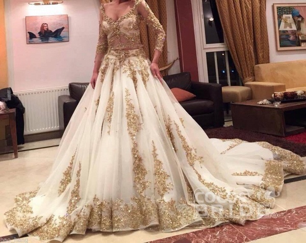 Luxurious Gold Lace Appliques 3/4 Sleeves V Neck Ball Gown Tulle Wedding Dress_2