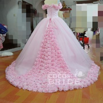Pink Ball Gown Princess Off-shoulder Hand-Made Flower Wedding Dress_3