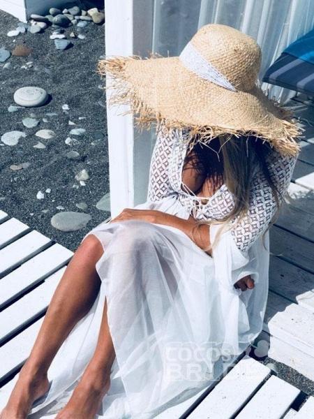 Gorgeous V-Neck Long Sleeves Floor Length Ruffles Wedding Dresses_2
