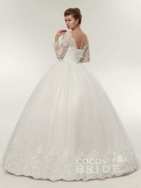 Long Sleeves V-Neck Ball Gown Lace Wedding Dresses_3