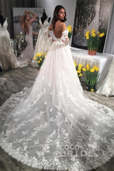 Unique Sweetheart Puffy Lace Appliqued Backless Beach Wedding Dress_2