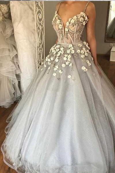 Sexy Straps Ball Gown Appliqued Deep V-neck Wedding Dress_1