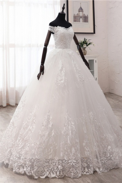 Long Ball Gown Off-the-shoulder Tulle Wedding Dress with Lace Appliques_4