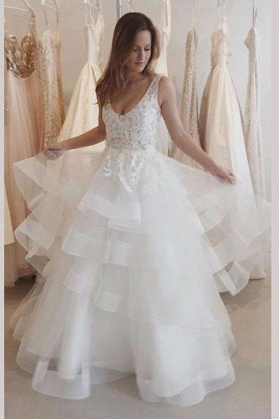 Charming Ivory U Neck Appliques Tulle Sleeveless Layers Wedding Dress_1