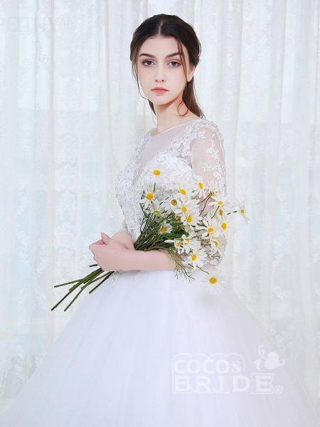 V-Neck 3/4 Sleeves Lace Ball Gown Wedding Dresses_4