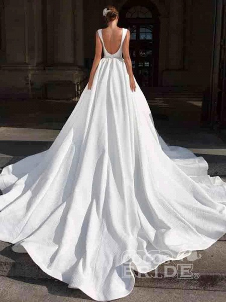 Gorgeous V-Neck Sweep Train Ruffles Wedding Dresses_2