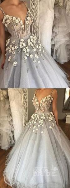 Sexy Straps Ball Gown Appliqued Deep V-neck Wedding Dress_3