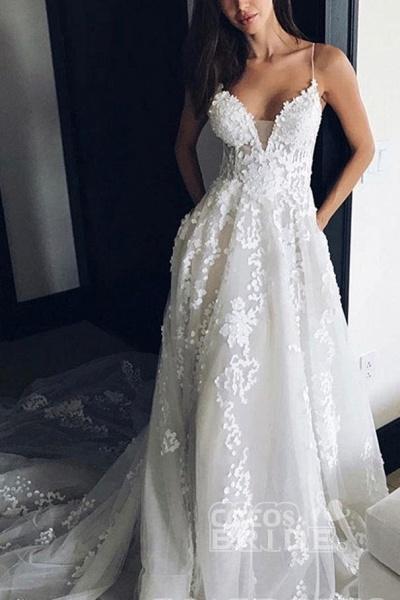 Stunning Appliques Lace Spaghetti Straps Wedding Dress_2