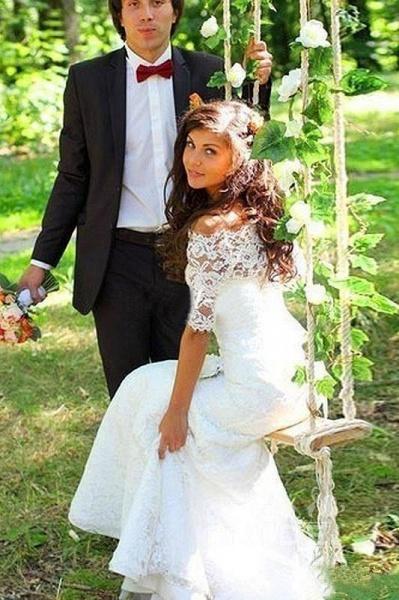Mermaid Off-the-Shoulder Half Sleeves Lace Vintage Trumpet Wedding Dress_3